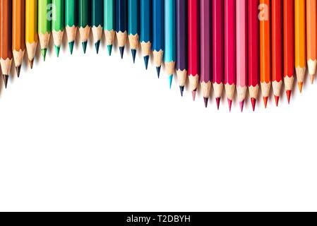 Crayons de couleur isolé sur fond blanc. Copy space Banque D'Images