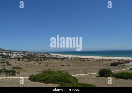 Seule plage vierge Incroyablement préservé dans la péninsule ibérique, plage de Bologne en Tarifa. La nature, l'architecture, l'histoire, la photographie de rue. 10 juillet