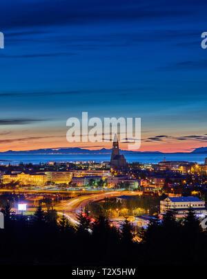 Reykjavik, Islande, au coucher du soleil Banque D'Images