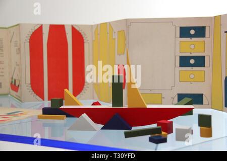 Vymar, Allemagne. Le 04 Avr, 2019. Ouverture du nouveau bâtiment du nouveau Musée du Bauhaus de Weimar le 'Klassik Stiftung Weimar Classique (Foundation) à Weimar, Allemagne, le 5 avril 2019. Crédit: Martin Weiser/CTK Photo/Alamy Live News Banque D'Images