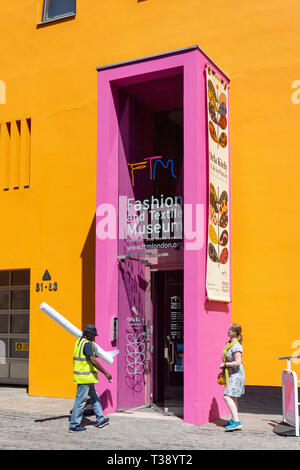 Entrée au Musée de la mode et du textile, Bermondsey Street, London Bridge, Royal Borough de Southwark, Londres, Angleterre, Royaume-Uni Banque D'Images