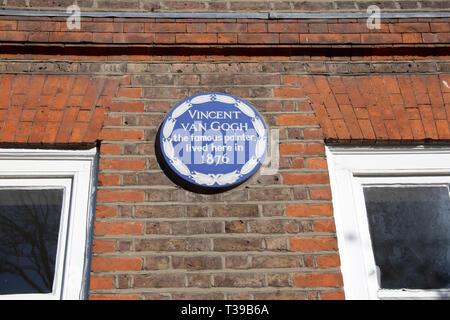 Blue plaque marquant la maison à Isleworth où le peintre, Vincent Van Gogh, a vécu en 1876, Isleworth London UK Banque D'Images
