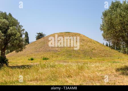 Tumulus de Marathon ou tumulus, le Tombeau que les anciens Athéniens construit pour honorer la déesse Athéna pour son aide à vaincre les Perses dans la bataille de Marathon. Banque D'Images