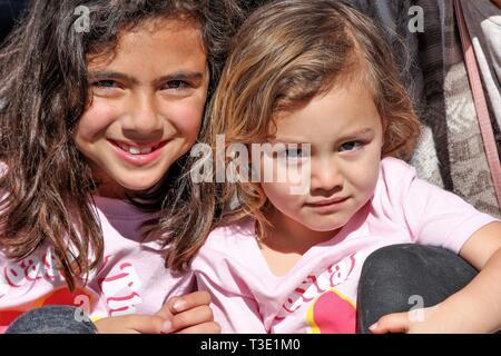 Les gens de fun run de Pismo Beach CA USA, à faire prendre conscience de la violence dans la société et la famille Banque D'Images