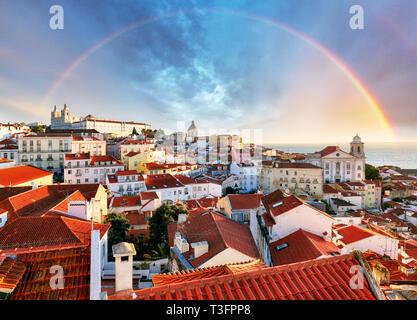 Lisbonne avec arc-en-ciel, Portugal Banque D'Images