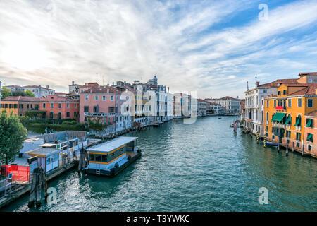 L'Italie. Venise. Paysage urbain du Grand Canal à Venise avec des bateaux