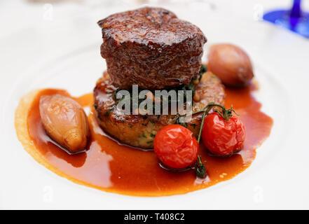 Bifteck de filet avec des légumes, close-up Banque D'Images