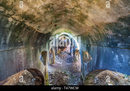 Jimena citerne arabe. Village blanc de Cadiz montagnes avec passé mauresque, Andalousie, Espagne