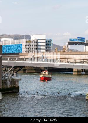 Pied Lagan et pont de cycle avec Titanic bateau d'excursion, Mona Banque D'Images