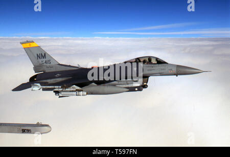 USAF United States Air Force General Dynamics F-16C Fighting Falcon