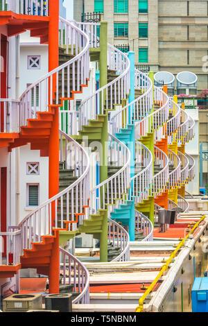 La ville de Singapour et d'escaliers en spirale. Banque D'Images