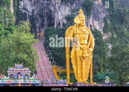 Grottes de Batu statue et entrée privée près de Kuala Lumpur, Malaisie. Banque D'Images