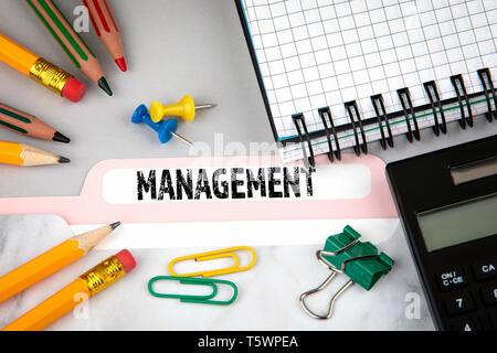 Concept de gestion. S'inscrire dossier sur 24 Banque D'Images