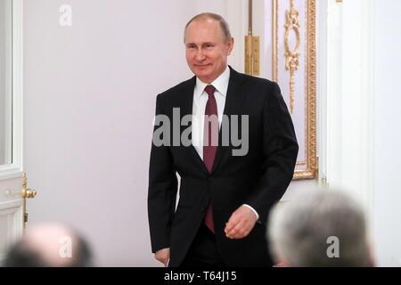 Moscou, Russie. Apr 29, 2019. Moscou, Russie - le 29 avril 2019: le président russe Vladimir Poutine lors d'une cérémonie de remise des prix Héros du travail de la Fédération de Russie, des médailles au Kremlin de Moscou. Vyacheslav Prokofyev/crédit: TASS ITAR-TASS News Agency/Alamy Live News Banque D'Images