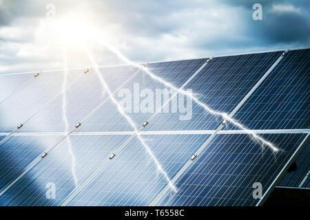 Concept abstrait de centrale électrique utilisant l'énergie solaire renouvelable Banque D'Images