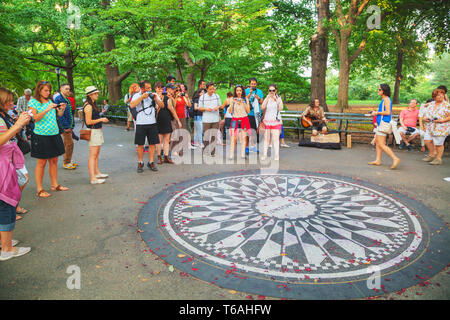 Strawberry Fields Memorial dans le Parc Central Banque D'Images