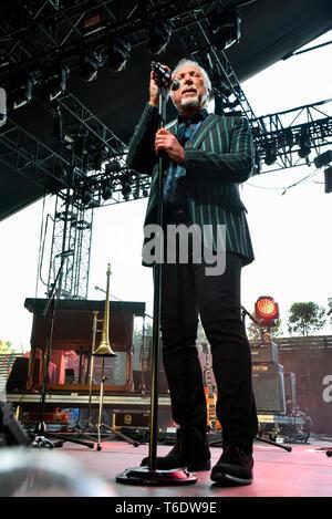 Indio, en Californie, le 28 avril 2019, Tom Jones sur scène l'exécution à une foule énergique au jour 3 de la Stage Coach Festival de musique country. Photo: Ken