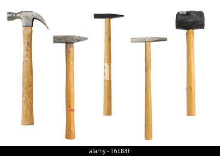 Collection de différents marteaux anciens, isolés sur blanc