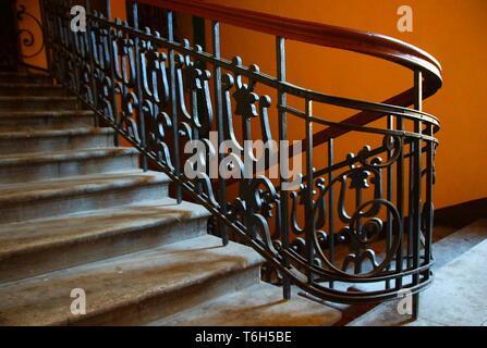 Fragment de l'escalier dans le style Art Nouveau