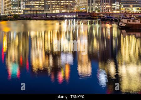 London Canary Wharf coucher du soleil