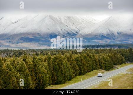 Route du Mont Cook et Dobson Valley au printemps; l'île du Sud, Nouvelle-Zélande