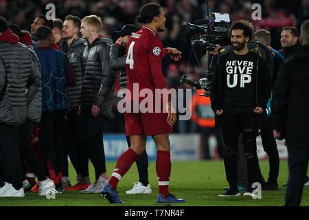 Le centre de Liverpool, Mohamed Salah portant un n'abandonnent jamais t shirt 7e mail 2019 , Stade d'Anfield, Liverpool, Angleterre; demi-finale de la Ligue des Champions, match retour, Liverpool FC vs FC Barcelone Crédit: Terry Donnelly/News Images Banque D'Images