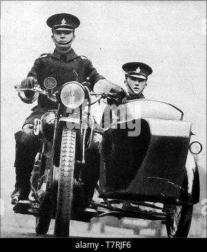 Après une nouvelle loi sur la circulation routière de 1930 Police moto avec side-car est apparu sur les routes britanniques Banque D'Images