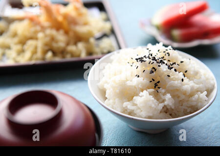 Riz aux crevettes frites Tempura style Japonais Banque D'Images