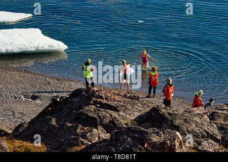 Le Groenland, côte nord-ouest, le détroit de Smith au nord de la baie de Baffin, la terre d'Inglefield, site d'Etah fjord Foulke en polaire, de la plage de baignade Banque D'Images