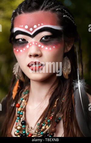Piscine close-up portrait du jeune sorcier (shamaness) Banque D'Images