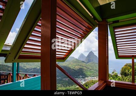 Vue depuis la balise Restaurant avec vue sur la Soufrière, Sainte-Lucie