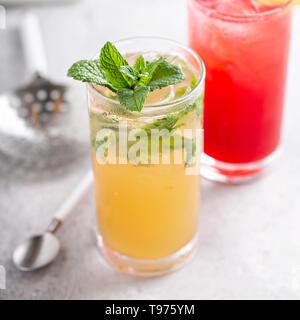 Cocktail Mojito et brise de mer Banque D'Images
