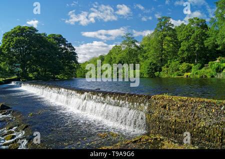 UK,Derbyshire, Peak District,Bamford Weir Banque D'Images