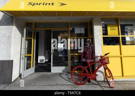 Los Angeles, CA, USA. Feb 14, 2019. Un magasin vu à Los Angeles, Californie. Ronen Crédit: Tivony SOPA/Images/ZUMA/Alamy Fil Live News Banque D'Images