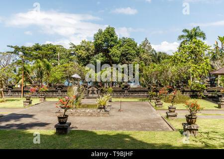 Pura Goa Lawah ('Bat Cave Temple'), Balinais temple hindou de Pesinggahan, Klungkung, Bali, Indonésie. Banque D'Images