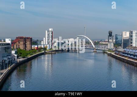 Le Clyde Arc (aux) Pont sur la rivière Clyde à Glasgow, Ecosse