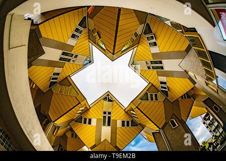 Maisons Cube Rotterdam - Piet Blom architecte - architecture moderne - Photographie - résumé résumé photo - Tourisme tourisme néerlandais aux Pays-Bas Banque D'Images