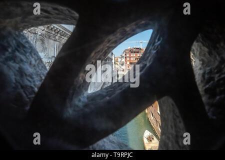 Venise, Italie - 18 avril 2019 Vue de Venise depuis le Pont des Soupirs au cours de la journée. C'était la dernière vue de Venise de prisoniers avant d'aller en prison
