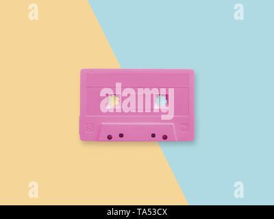 Retro cassette rose sur un fond duotone pastel Banque D'Images