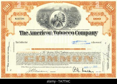 Historic Stock certificat, détail, plantation de tabac et un chef indien rouge avec la coiffure, l'American Tobacco Company, ATC, 1965, New Jersey, USA, Historische Aktie, Tabakplantage Indianerhäuptling Détails, und mit Federschmuck, l'American Tobacco Company, ATC, Tabakunternehmen 1965, New Jersey, USA Banque D'Images