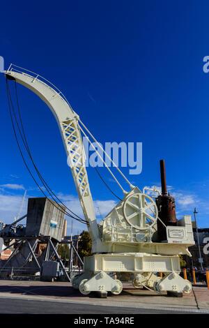 L'Jessop et Appleby Bros voyageant près de la grue à vapeur au pont Constitution Constitution Dock Hobart Tasmanie Australie a été mise en service en 1899. Banque D'Images