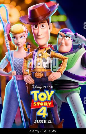 Toy Story 4 (2019) réalisé par Josh Cooley et mettant en vedette Keanu Reeves, Christina Hendricks, Tom Hanks et Tim Allen. Les jouets sont rejoints par une nouvelle arrivée et entreprendre un voyage sur la route.