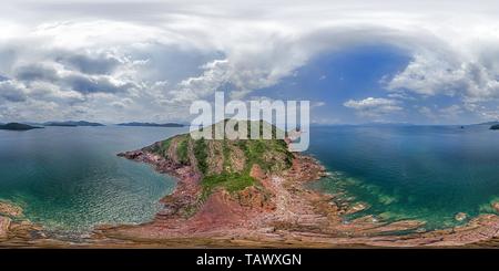 Conglomérat rouge @ Port(Île) 赤洲紅色礫岩,HK Geopark. Banque D'Images