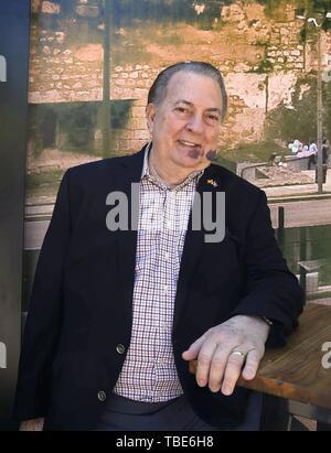 Madrid, Espagne. 01 Juin, 2019. La ministre de la Culture dominicaine Eduardo Selman pose pour les photographes lors de sa visite à la 78e Foire du livre de Madrid, Espagne, 01 juin 2019. Credit: Paco Campos/EFE/Alamy Live News Banque D'Images