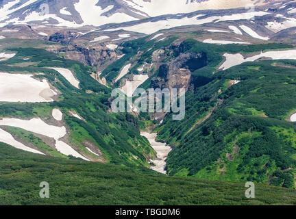 Le Canyon sur le volcan Mutnovsky dangereuses - Kamchatka, Russie Banque D'Images