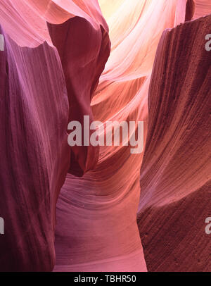 Formations rocheuses colorées dans Antelope Canyon, Page, Arizona, USA Banque D'Images