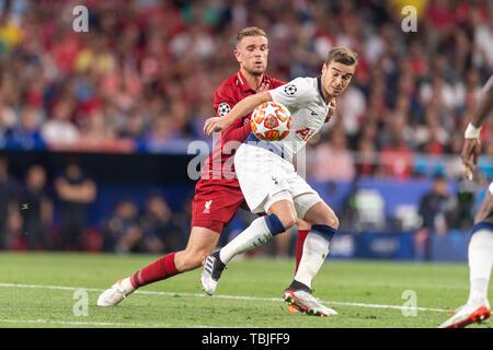 Clins d'Harry (Tottenham Hotspur F.C.) Jordanie Brian Henderson (Liverpool FC) lors de la finale de la Ligue des Champions match entre Tottenham 0-2 Liverpool FC à l'Estadio Metropolitano de Madrid, Espagne, Juin 1, 2019. (Photo de Maurizio Borsari/AFLO) Banque D'Images