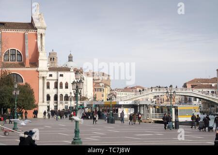 Venise, Vénétie, Italie: Chiesa di Santa Maria di Nazareth au Grand Canal.