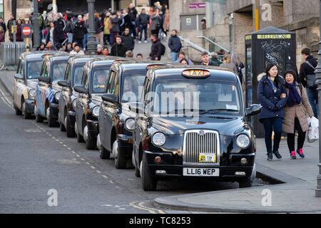 Taxi, Édimbourg, basses terres, Ecosse, Royaume-Uni.