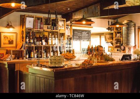 Bar dans le centre historique hôtel Cardrona, Cardrona, île du Sud, Nouvelle-Zélande. Banque D'Images